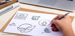 طراحی لوگو روی کاغذ